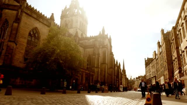 Centro da cidade e da Catedral, em Edimburgo, Escócia - vídeo