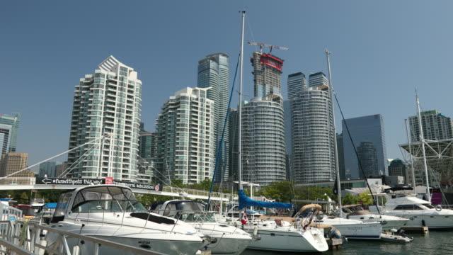 centrala city utsikt över toronto ontario kanada - strandnära bildbanksvideor och videomaterial från bakom kulisserna