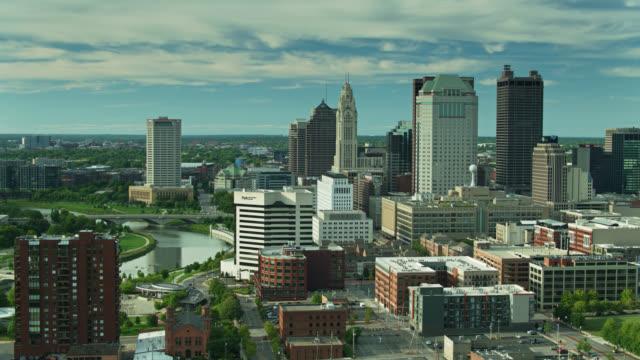 downtown columbus on the scioto river - aerial - columbus day filmów i materiałów b-roll
