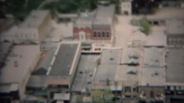 1953: Downtown Hang Blick auf berühmte Stadt und Straße Hauptgebäuden. – Video
