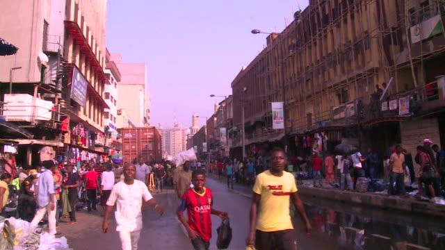 innenstadt von lagos, nigeria - bevölkerungsexplosion stock-videos und b-roll-filmmaterial