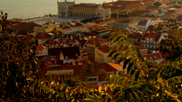 vídeos de stock e filmes b-roll de downtown, lisbon, portugal - ponte 25 de abril