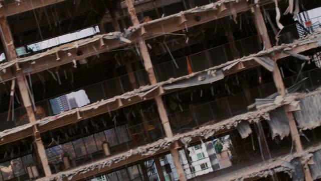 downtown los angeles yıkılan bina ortaya - coğrafi konum stok videoları ve detay görüntü çekimi