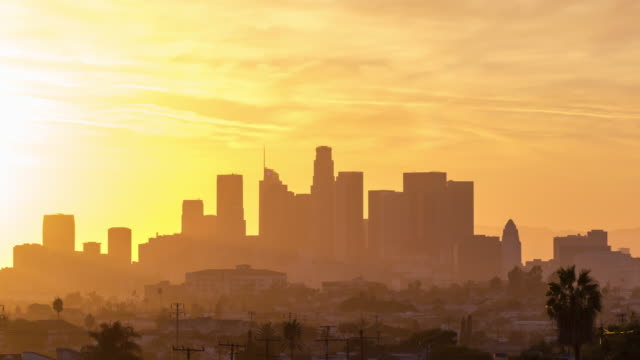 downtown los angeles skyline day to night sunset timelapse - los angeles стоковые видео и кадры b-roll