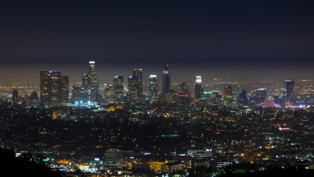 downtown los angeles skyline natt timelapse - hollywood sign bildbanksvideor och videomaterial från bakom kulisserna