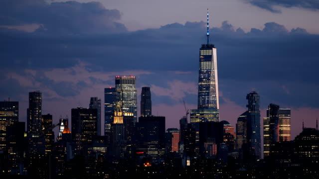 downtown manhattan skyline skymning - skyline bildbanksvideor och videomaterial från bakom kulisserna