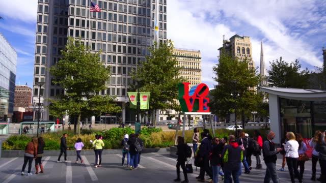 şehir philadelphia - heykel stok videoları ve detay görüntü çekimi