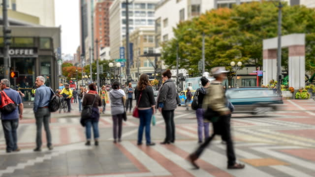 다운타운 시애틀, 저속 신작로가 - seattle 스톡 비디오 및 b-롤 화면