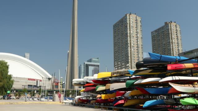 downtown toronto ontario kanada - strandnära bildbanksvideor och videomaterial från bakom kulisserna