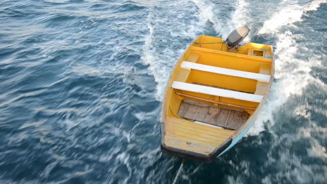 Trascinate Barca a remi - video