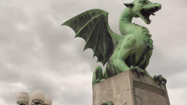 dragon bridge in ljubljana, slovenia - gargoyle video stock e b–roll