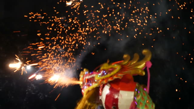 dragon dance - happy holidays filmów i materiałów b-roll