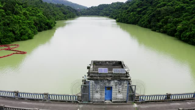 Draining water from the Kowloon Reservoir at Kam Shan Country Park
