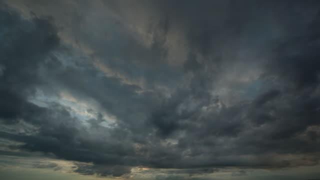 vidéos et rushes de ciel menaçant - ciel orageux