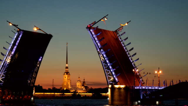 drawbridge and the peter and paul fortress at night st. petersburg - san pietroburgo russia video stock e b–roll