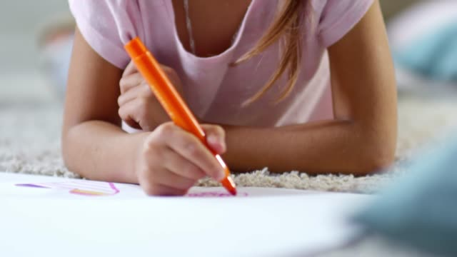Drawing Pictures with Felt Tip Pens video