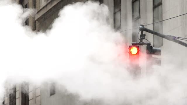 だからこそニューヨークの風景 - 交通信号機点の映像素材/bロール