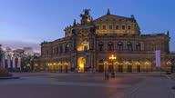 istock Dresden Semper Opera House Day to Night Hyperlapse 1285355968