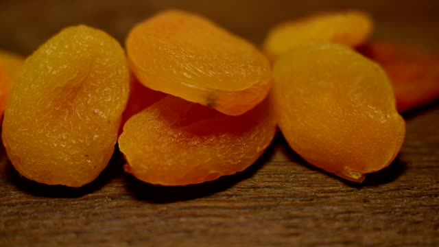 dried apricots - абрикос стоковые видео и кадры b-roll