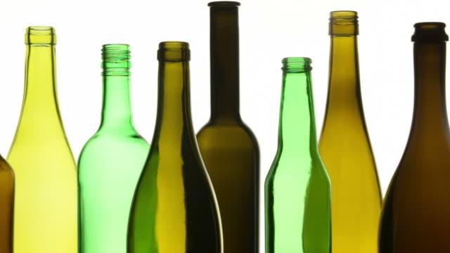 drink flaschen fo ce - altglas stock-videos und b-roll-filmmaterial