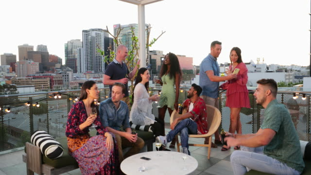 drinks with a view - happy hour video stock e b–roll