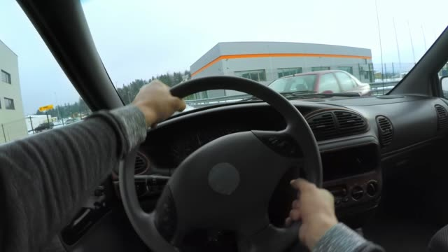 pov driver hitting another car in the crossroad - incidente video stock e b–roll