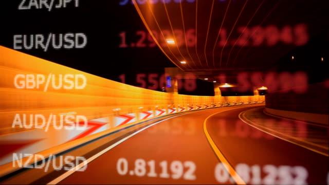 밤 및 차트 및 그래프에 운전 - 이율 스톡 비디오 및 b-롤 화면