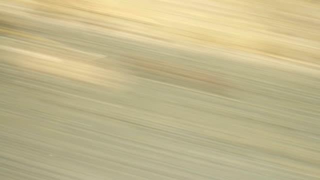 schnell auf der autobahn fahren. , endlos wiederholbar zeitraffer - vorbeigehen stock-videos und b-roll-filmmaterial