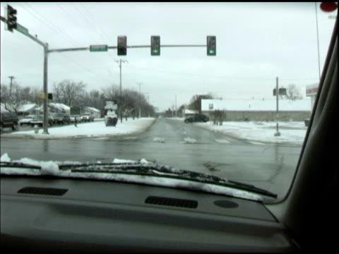 fahren im schnee - kürzer als 10 sekunden stock-videos und b-roll-filmmaterial