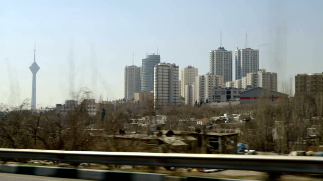 在德黑蘭,米拉德 · 塔駕駛 - 德黑蘭 個影片檔及 b 捲影像