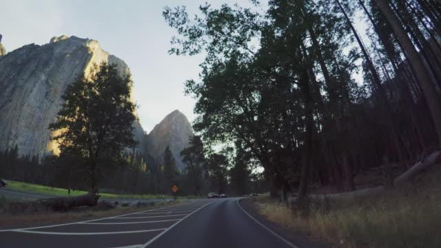 vídeos y material grabado en eventos de stock de pov en parque nacional yosemite, california - lugar de interés