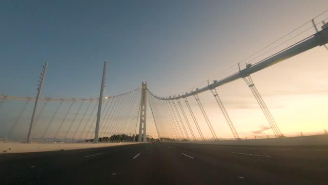 stockvideo's en b-roll-footage met driving perspective bay bridge eastern span - westelijke verenigde staten