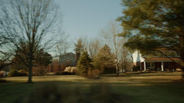 vídeos de stock, filmes e b-roll de condução studio fundo processo placa pov croma série chave lateral - cena rural