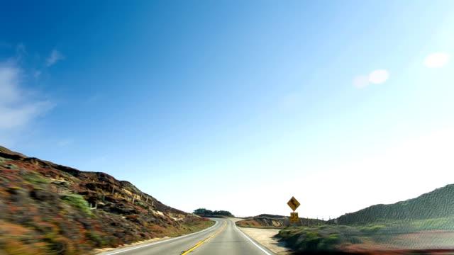 vídeos de stock e filmes b-roll de condução costa oeste - estrada 001