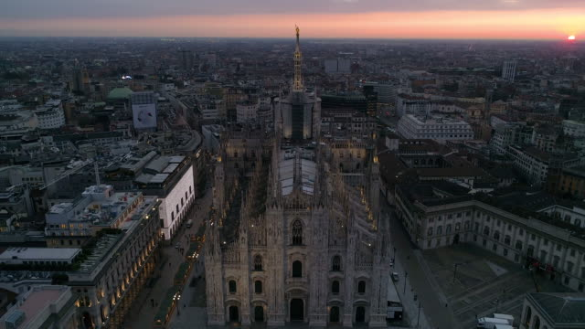 drone duomo milano. 4k - cathedrals stock videos & royalty-free footage