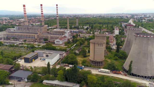 drone flyger nära kraftverk i staden - bulgarien bildbanksvideor och videomaterial från bakom kulisserna