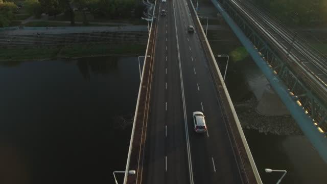drone footage along gdanski bridge. - polska filmów i materiałów b-roll
