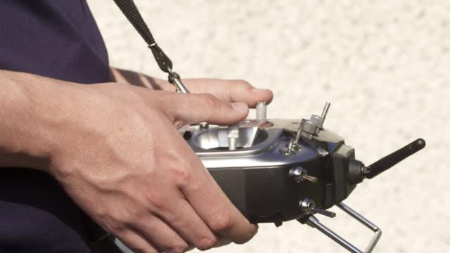 vídeos de stock, filmes e b-roll de drone trechos curtos de cenas diferentes - controle