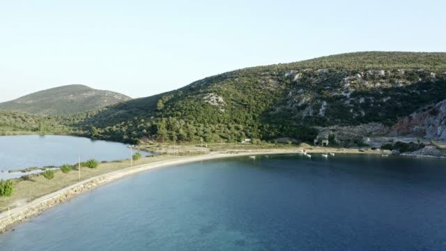 drönare skott av hav och kustlinje. - egeiska havet bildbanksvideor och videomaterial från bakom kulisserna
