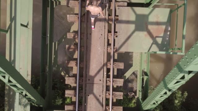 nehir köprüsünde drone görünümü - sırbistan stok videoları ve detay görüntü çekimi