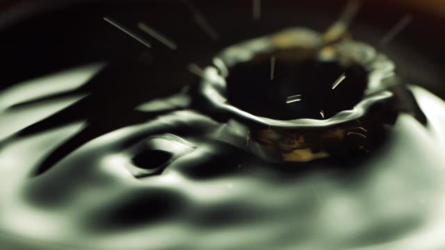 ドロップ的にコーヒーを - コーヒー点の映像素材/bロール