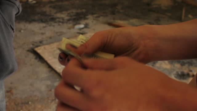 drug deal ms - dirty money bildbanksvideor och videomaterial från bakom kulisserna
