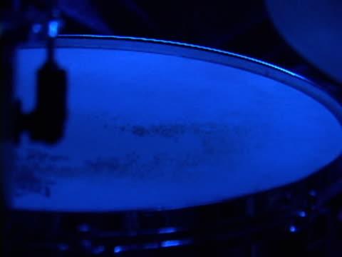 tamburi  - parte della pianta video stock e b–roll