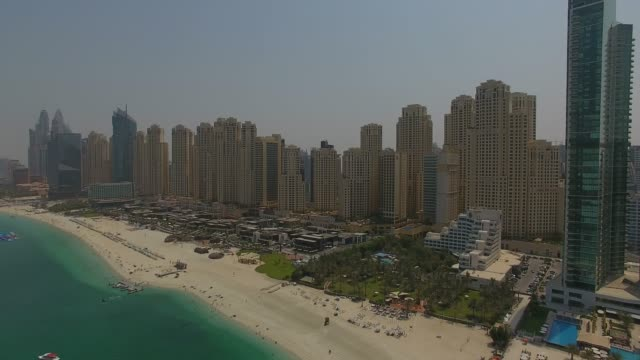 dubai jumeirah beach aerial view - paesi del golfo video stock e b–roll