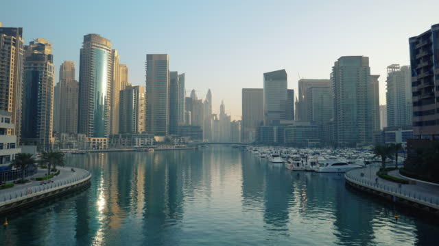dubai marina on an early morning - dubai architecture stock videos & royalty-free footage