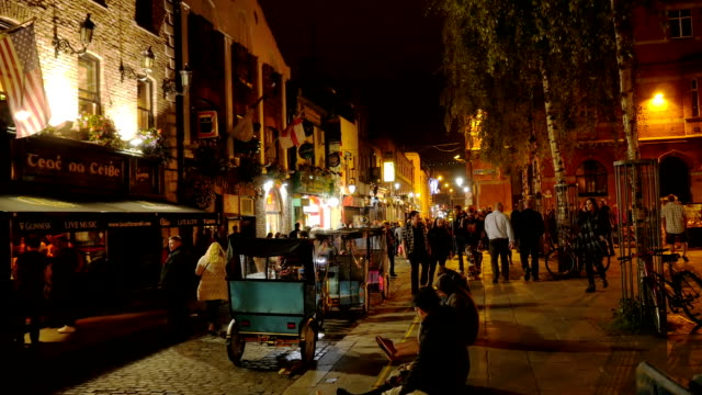 Dublin Temple Bar Square at night video