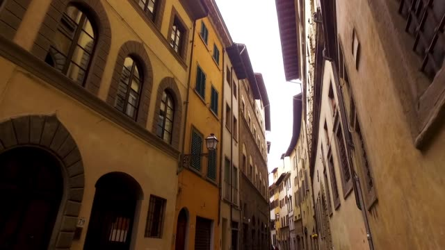 duomo florence cathedral landmark - church architecture stock videos & royalty-free footage