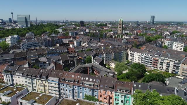 düsseldorf deutschland aerial video-serie - düsseldorf stock-videos und b-roll-filmmaterial