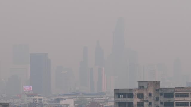 vídeos y material grabado en eventos de stock de pm2.5 contaminación del polvo en bangkok, tailandia - bangkok