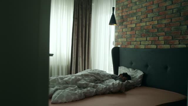 Temprano en la mañana - vídeo
